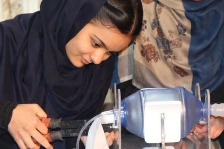 Las adolescentes trataron de desarrollar un respirador para pacientes con covid