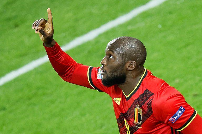 Romelu Lukaku hizo dos goles en el triunfo de Bélgica sobre Dinamarca