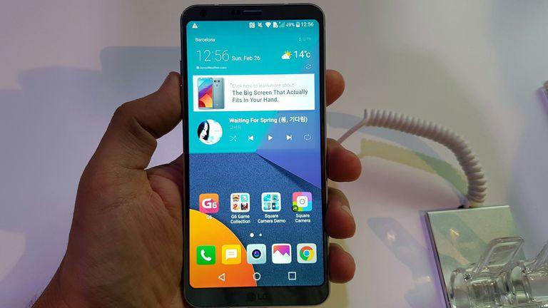 Además de la pantalla de 5,7 pulgadas, el LG G6 tiene un cuerpo de aluminio, es resistente al agua y al polvo y tiene 4 GB de RAM