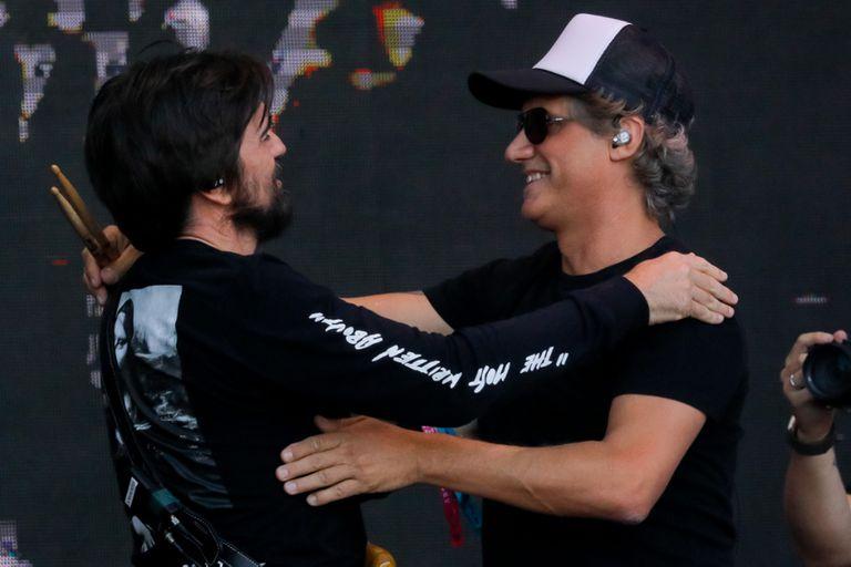 """Juanes invitó a Charly Alberti a tocar """"Cuando pase el temblor"""" en Lolla Chile"""