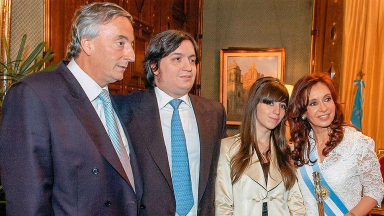 Néstor, Máximo, Florencia y Cristina Kirchner pulularon entre Santa Cruz y Buenos Aires