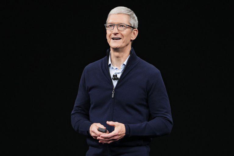 Para Tim Cook, la realidad aumentada será una tecnología tan revolucionaria como lo fue en su momento el iPhone para los teléfonos móviles, y la compañía planea lanzar un visor de realidad aumentada y unas gafas inteligentes en 2023