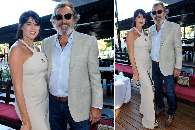 Pamela David y su marido, Daniel Vila, posaron juntos para las cámaras. Vestidos a composé, la pareja se mostró sonriente y romántica