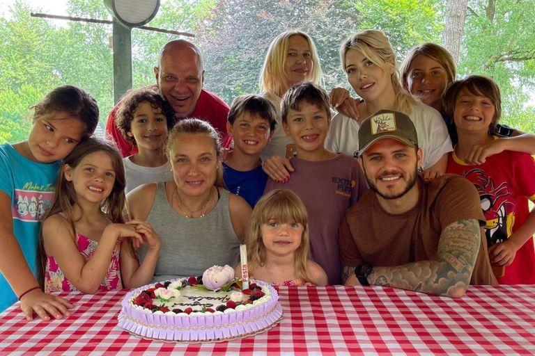 Las vacaciones familiares de Wanda Nara y los Icardi  con la mamá de Mauro
