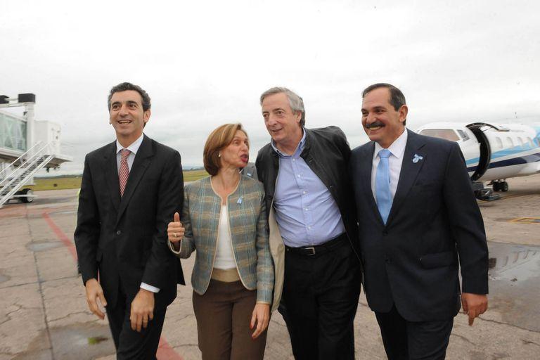 Beatriz Rokjés junto a Néstor Kirchner, José Alperovich y Florencio Randazzo en Tucumán en 2010.