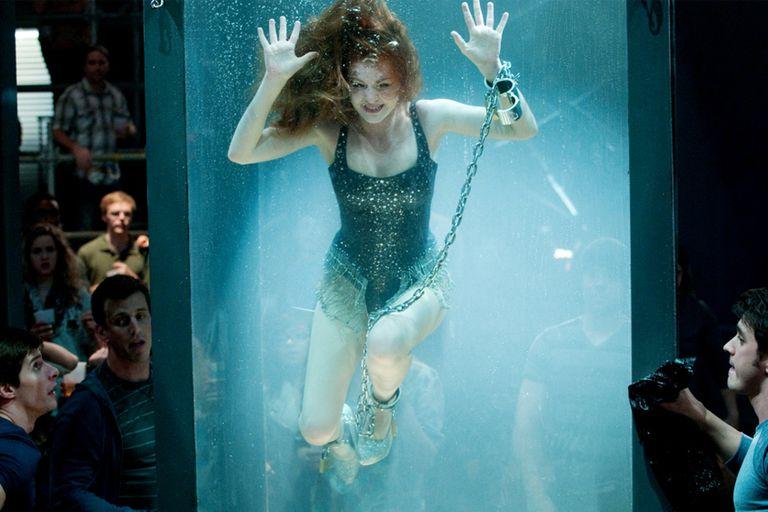 Isla Fisher, en la arriesgada escena del film Nada es lo que parece