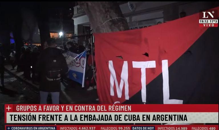 Las protestas afuera de la embajada de Cuba en la Argentina
