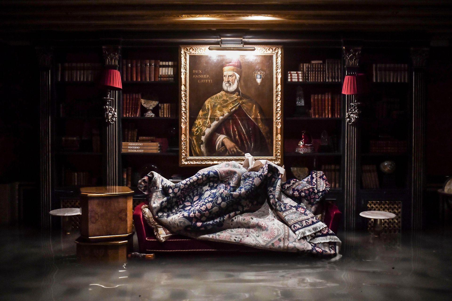 Una habitación en el palacio inundado de Gritti