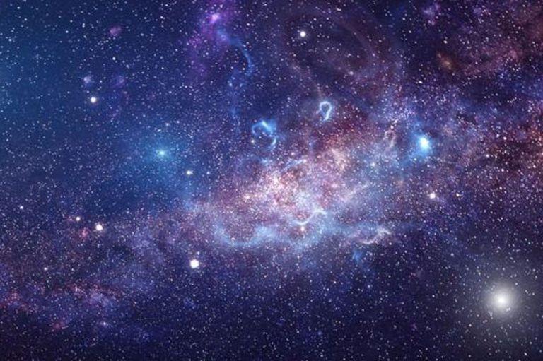 """Aún se desconoce cómo se conecta el agujero negro con el """"latido"""" de la nube de gas"""