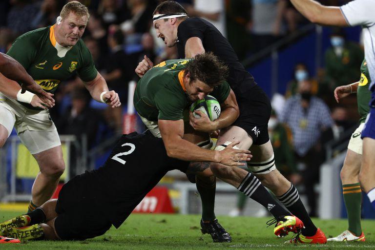 """El rugby paga hoy por ser un deporte para """"superhumanos"""" y mira siempre al reglamento"""