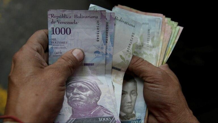 El bolívar se desploma cada vez más en Venezuela