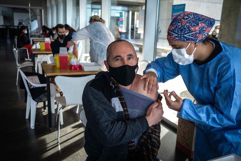 Más de 300 mil dosis de la vacuna contra el coronavirus se aplicaron en el partido bonaerense de General Pueyrredón, cuya ciudad cabecera es Mar del Plata, en el marco del programa ''Buenos Aires Vacunate''