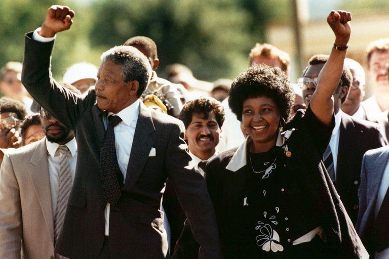 Winnie y Nelson Mandela se conocieron en 1957 y contrajeron matrimonio en 1958; recién en 1996 se divorciaron