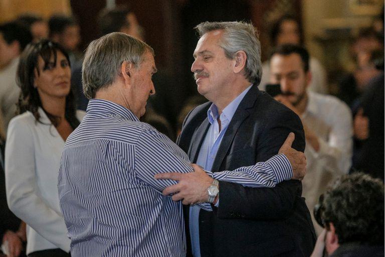 El candidato y el gobernador se saludaron en la ceremonia y luego tuvieron un encuentro a solas