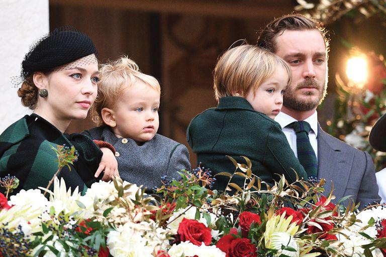 Una imagen de Pierre y Beatrice con sus hijos, Stefano y Francesco