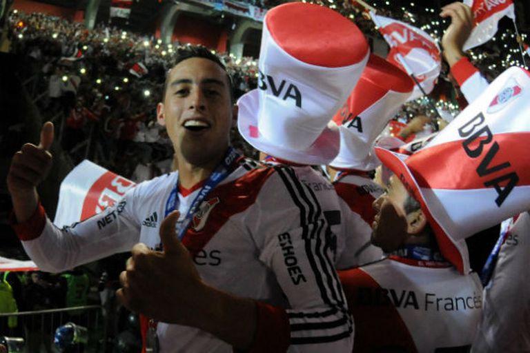 Ramiro, en pleno festejo por el título del torneo Final
