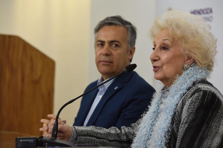 """La presidenta de Abuelas de Plaza de Mayo dijo que duda de que Centeno haya escrito los documentos dado que, para ella, """"es una persona que habla a medias"""""""