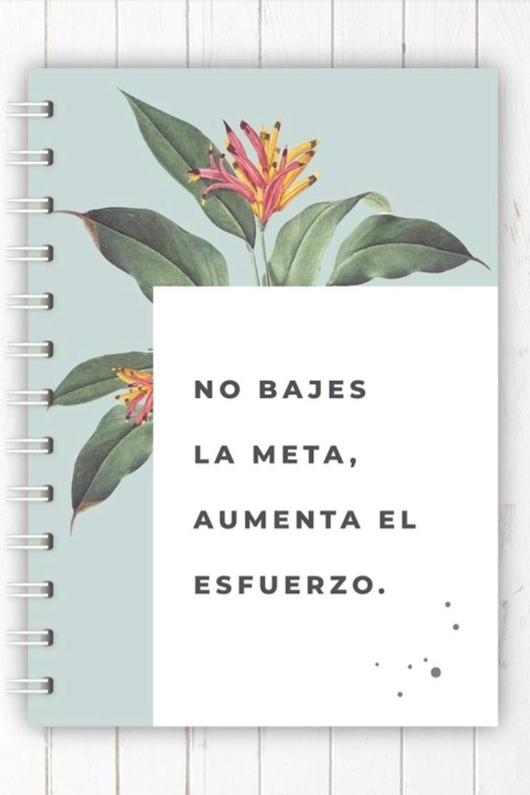 Los cuadernos nunca son suficientes y si tienen mensajes que nos motivan, ¡mucho mejor! En Alas en Papel, @alasenpapel_ tienen muchos diseños y opciones. Cuaderno tapa dura, anillado y 50 hojas, $900.