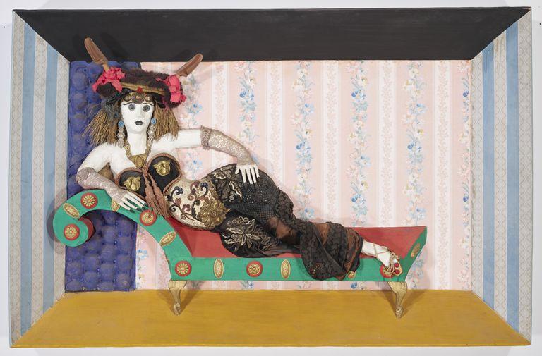 """""""Apoteosis de Ramona"""", un objeto de arte tipo """"assemblage"""" de Antonio Berni, 1966"""