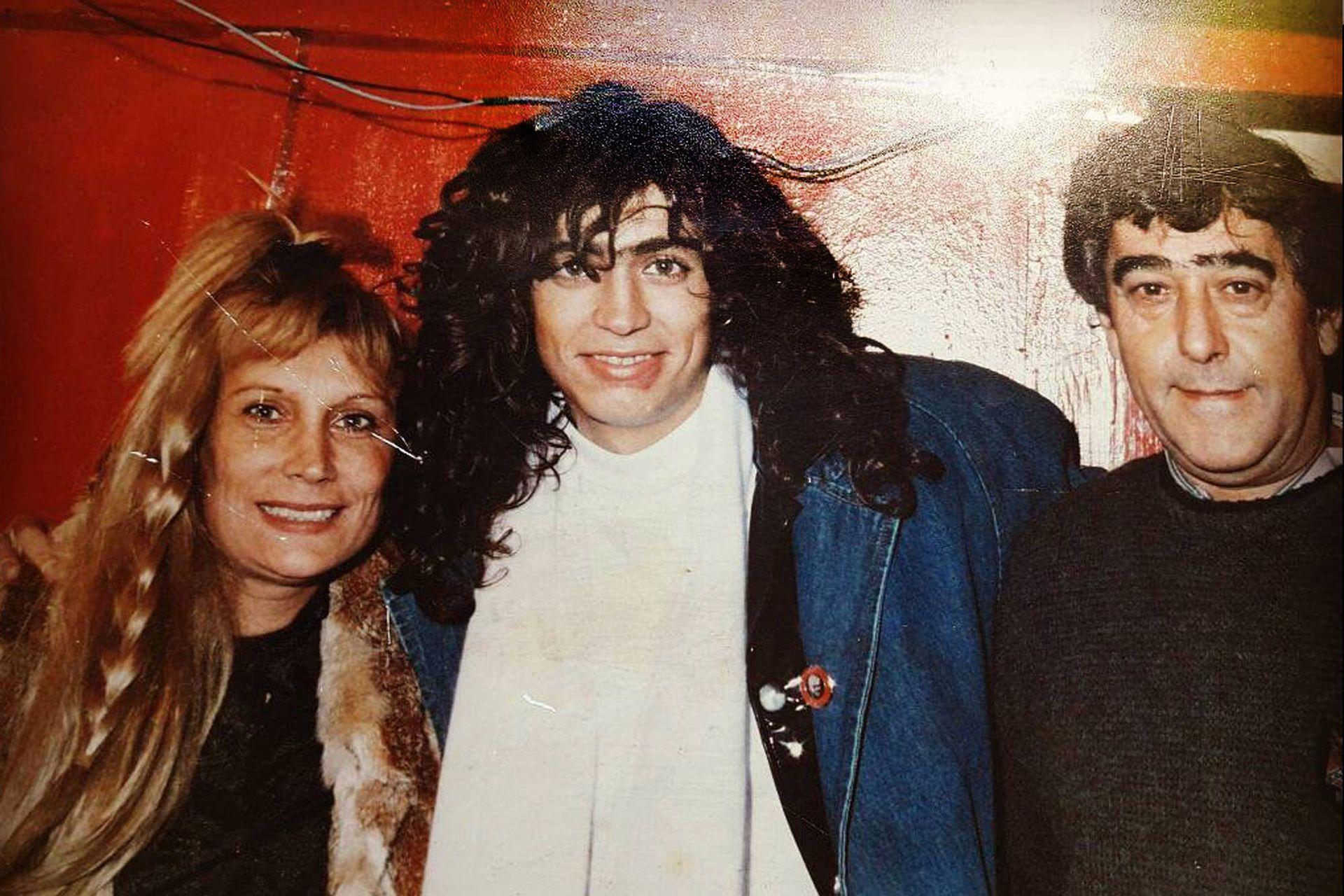 """Rodrigo Bueno junto a su mamá Beatriz Olave y su papá Eduardo """"Pichín"""" Bueno; este 24 de junio se cumplen veinte años de su muerte"""