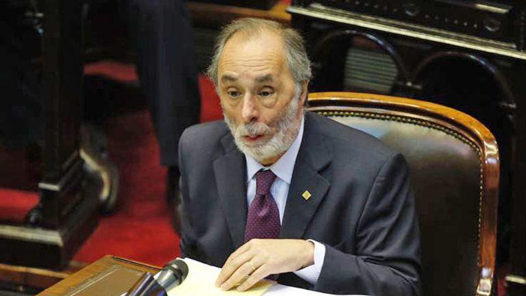 El consejero Pablo Tonelli adelantó la postura a Graciela Camaño, que preside la comisión de Selección de magistrados y cuyo voto será vital para dirimir la cuestión