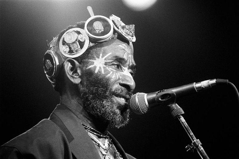 Durante una carrera de siete décadas, Perry fue uno de los artistas más prolíficos de la música