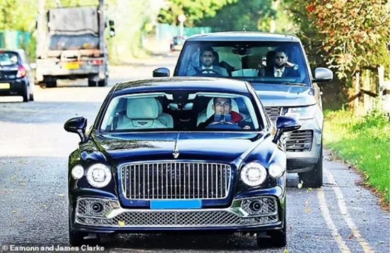El auto de lujo de Cristiano Ronaldo que atrapó las miradas a su llegada al entrenamiento