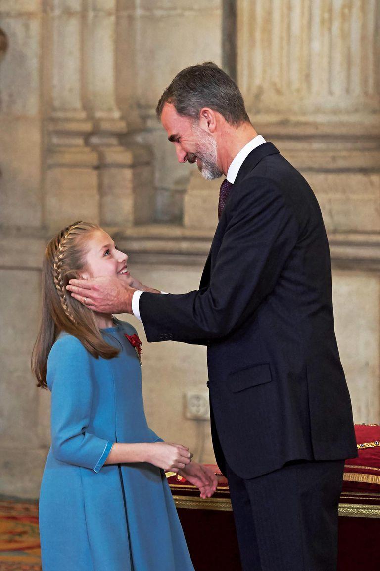 El 30 de enero de 2018, aceptó la máxima condecoración de la Corona española, creada en el siglo XV por Felipe III de Borgoña.