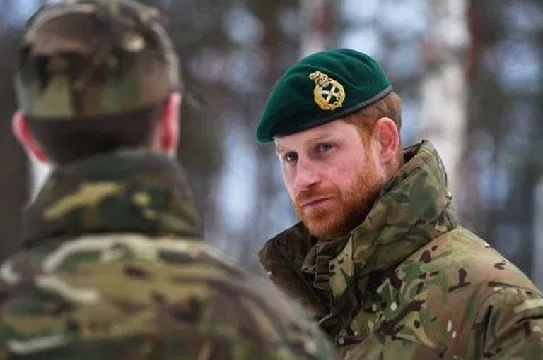 El príncipe Harry sirvió durante diez años en el ejército de su país.