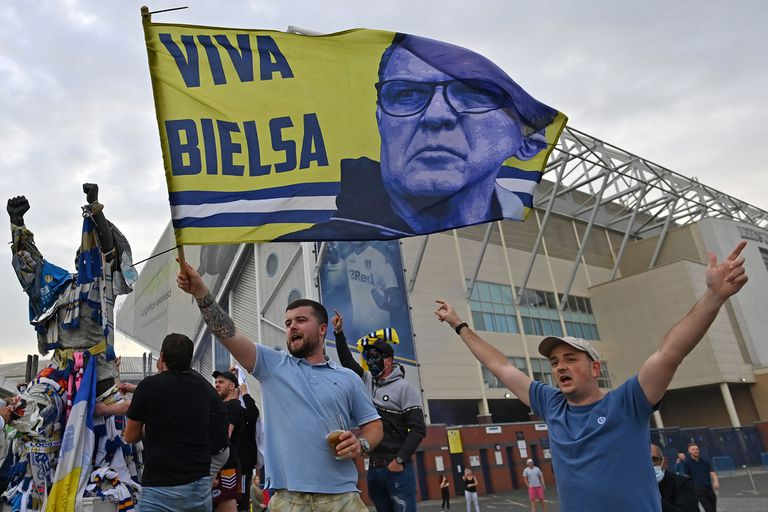 Bielsa, líder del ascenso de Leeds tras 16 años