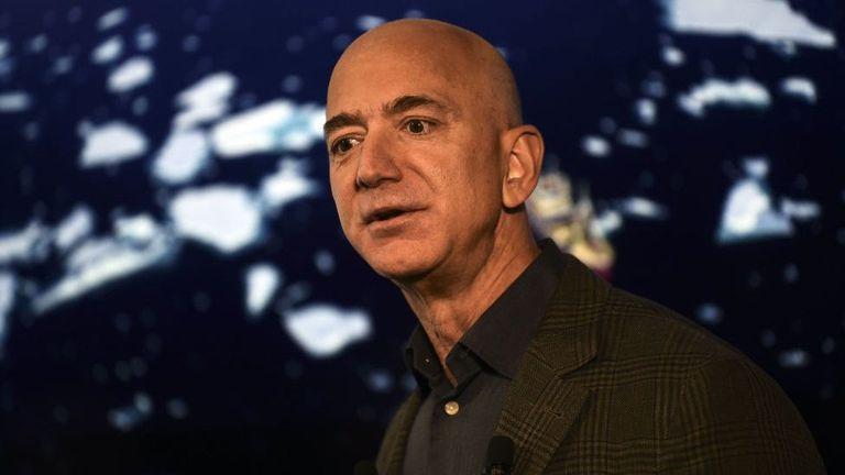 Jeff Bezos fundó Amazon hace 27 años