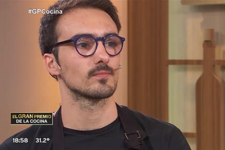 Julián contó su dura historia familiar en El gran premio de la cocina.