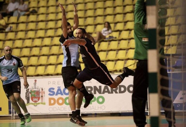 Los Gladiadores le ganaron con autoridad a Uruguay