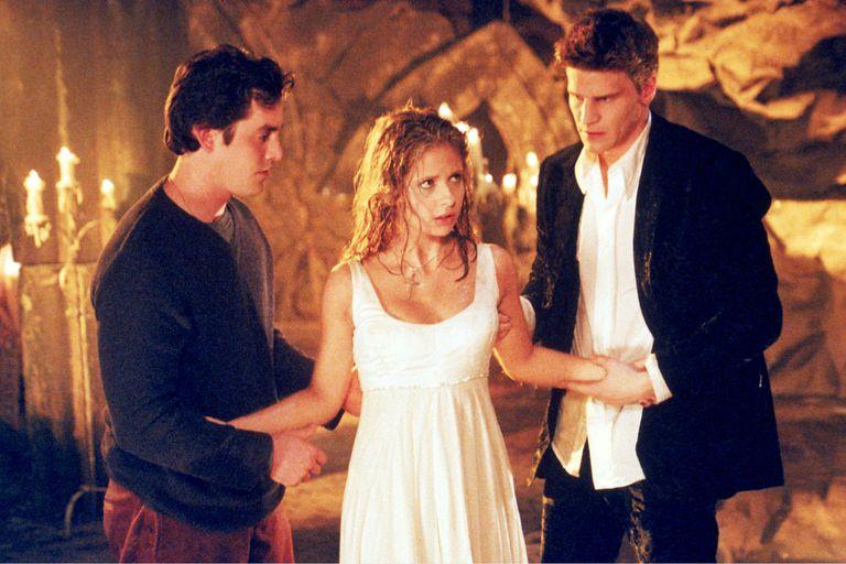 Cinco razones por las que vale la pena ver Buffy, la cazavampiros