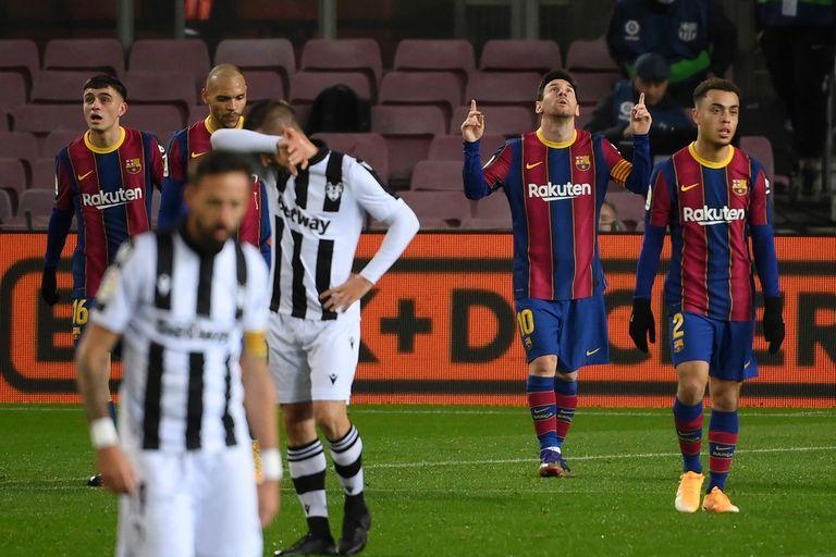 Lionel Messi le dio el triunfo a su equipo ante el Levante con un zurdazo que lleva su firma. Ayer, ante Real Sociedad, no marcó goles