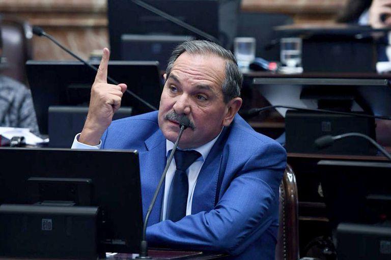 El senador José Alperovich, en uso de licencia por una investigaciòn penal, es el legislador con mayor patrimonio en el Congreso y podría estar alcanzado por el reibuto extraordinario