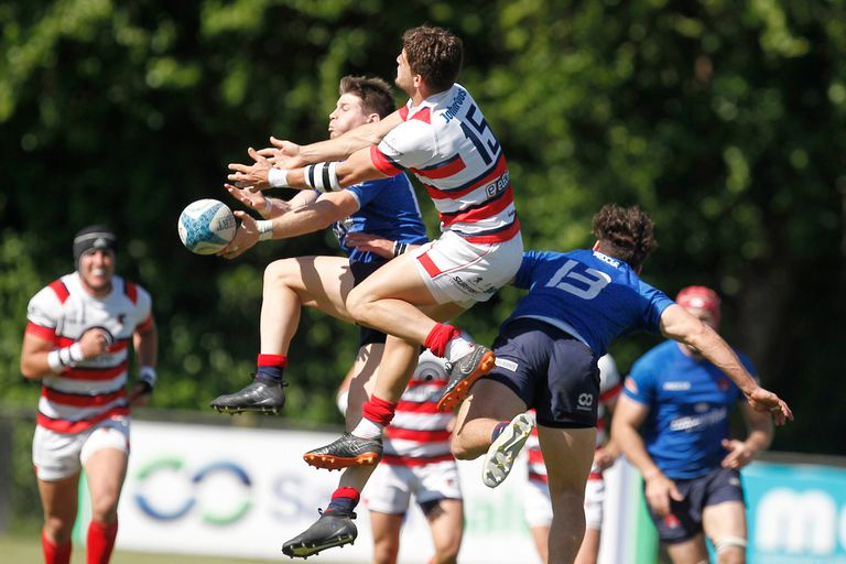 """Marista lucha en lo alto del Nacional de Clubes; el """"Cura"""" le devolvió protagonismo al rugby mendocino."""
