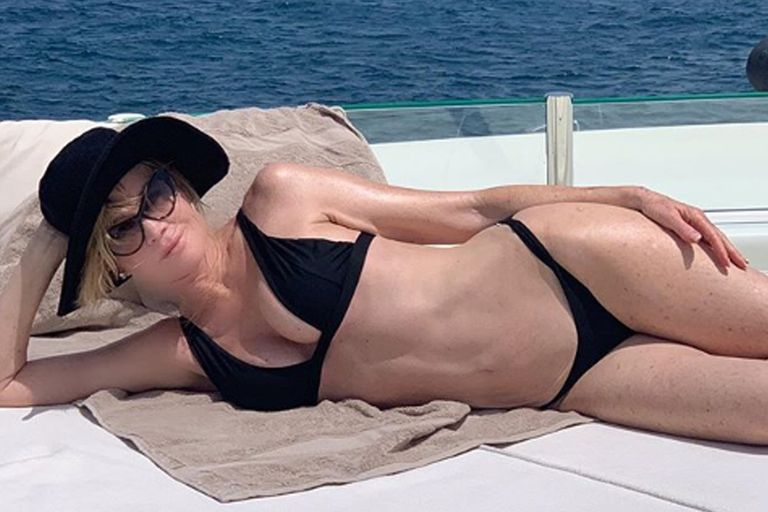 La actriz posó sexy en ropa interior y sus seguidores no tardaron en notar parecidos con una escena del film Secretaria Ejecutiva