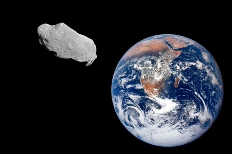 En un estudio reciente, un equipo de científicos comprobó que el asteroide Itokawa posee los precursores químicos que originaron la vida en la Tierra
