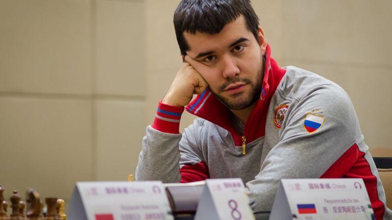 Nepomniachtchi será quien intente arrebatarle a Carlsen el título mundial