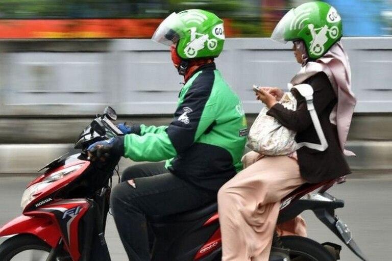 Gojek, con sede en Indonesia, ha pasado de ser una plataforma de viajes en motocicleta a ofrecer otros servicios