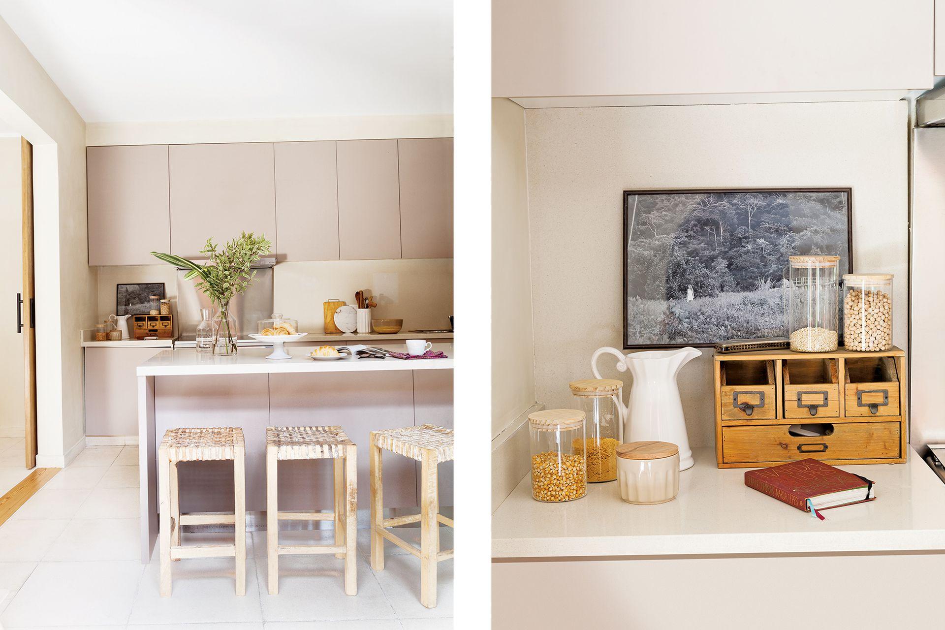 Muebles de cocina (Estudio Trama) de madera revestida en melamina Faplac línea 'Étnica' color 'Sahara' con mesada en Purastone 'Crema Pisa'.
