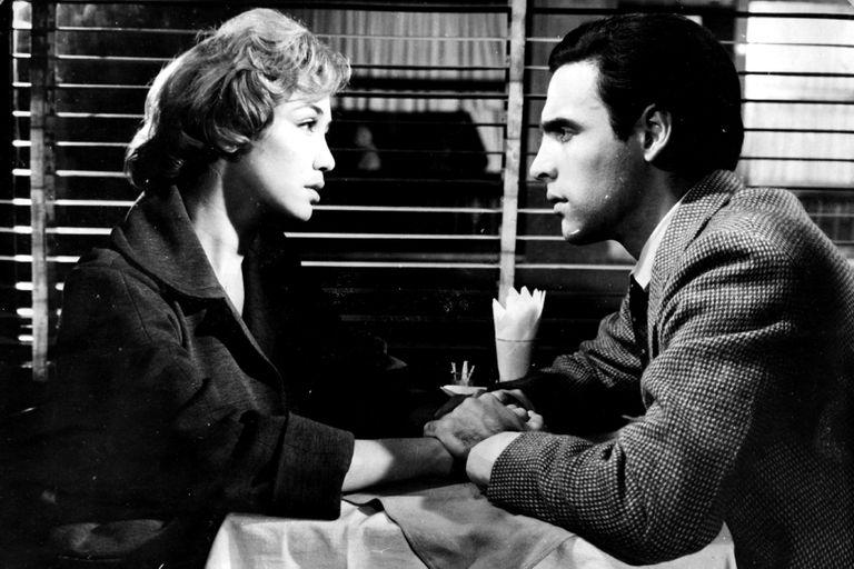 Los de la mesa 10: una campaña para rescatar el clásico del cine argentino que hace brillar el romance de los cafés porteños