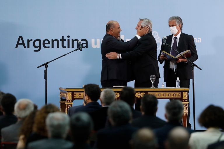 Aperturas sanitarias e incentivos económicos: los anuncios del nuevo gabinete de Fernández