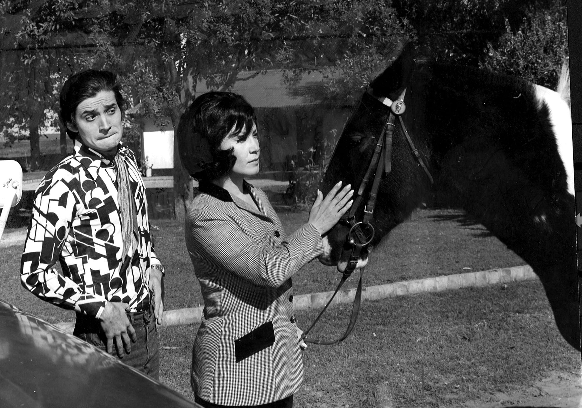 Lolita Torres con Berugo Carámbula, en una escena de Joven viuda y estanciera