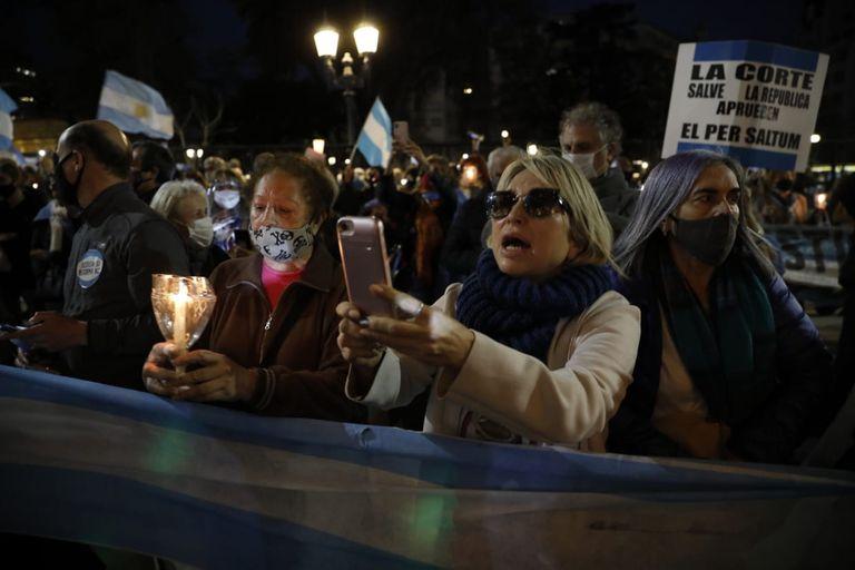 Cómo fue la marcha de luces que pidió a la Corte por los jueces desplazados