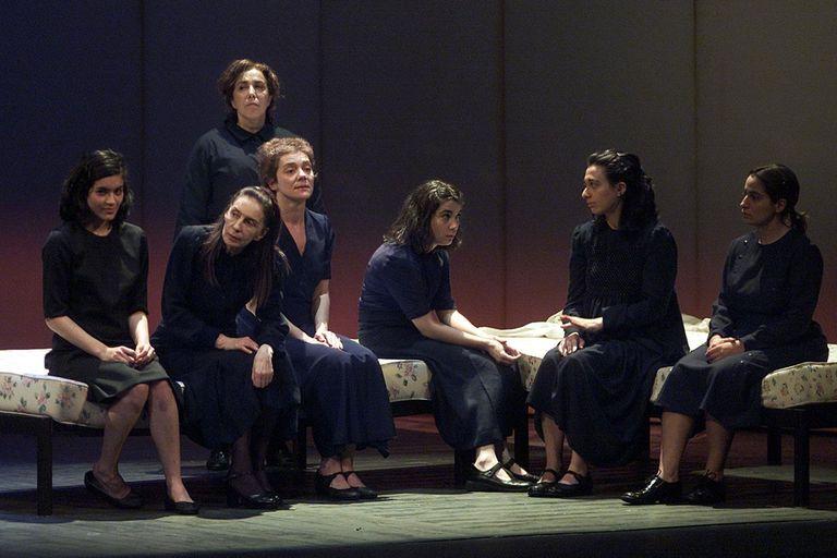 La casa de Bernarda Alba, la puesta que a 20 años de su estreno llega a las pantalla