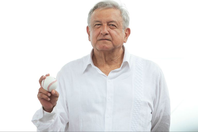Una lujosa boda deja en la mira el compromiso de austeridad de López Obrador