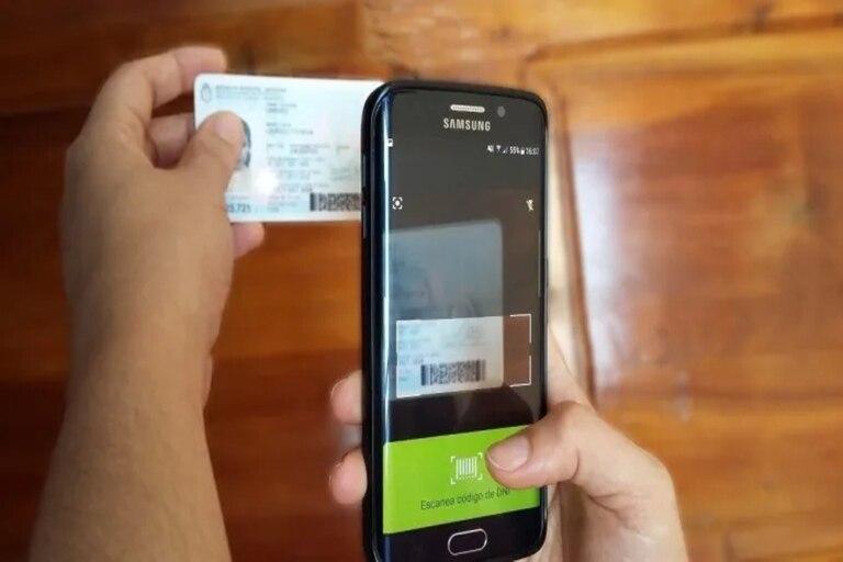 La lectura del código del Dni no es obligatoria pero sí para los que tienen un certificado único de circulación