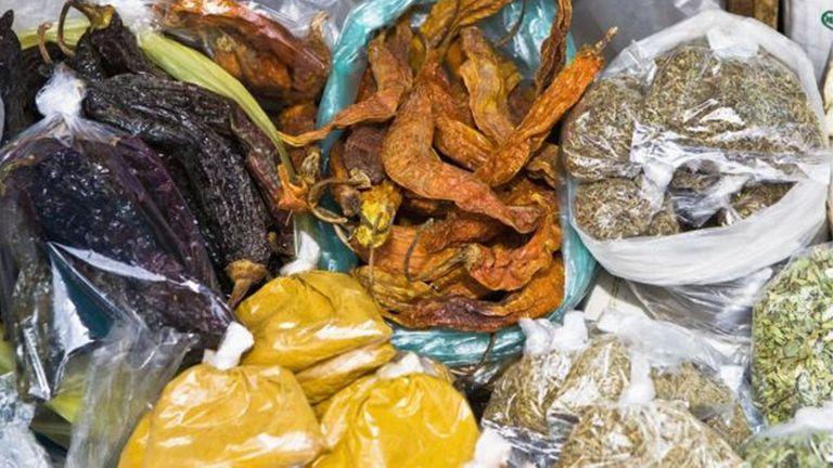 Puede que no sea el condimento más usado, pero sí es posible encontrarlo en los mercados populares de la región